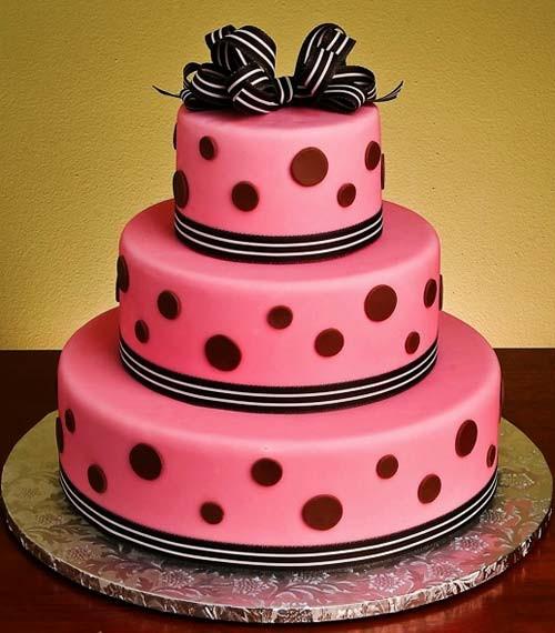 Polka Dotted Wedding Cakes  Very Hip Polka Dot Wedding Cakes