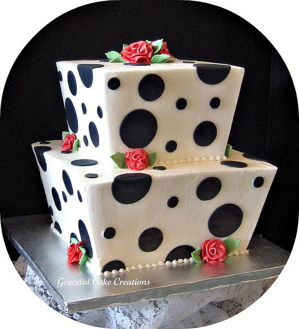 Polka Dotted Wedding Cakes  Polka Dot Wedding cake
