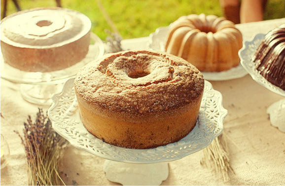Pound Cake Wedding Cake  Zack Lauren V ce Wed