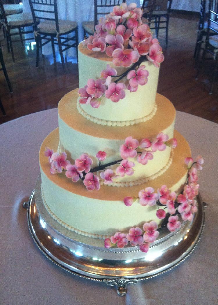 Pound Cake Wedding Cake  Wedding Cakes Metrotainment Bakery