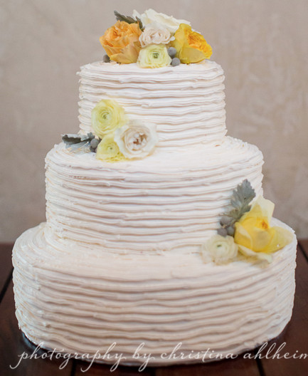 Preserving Wedding Cakes  How to Preserve Your Top Wedding Cake Tier Serendipity