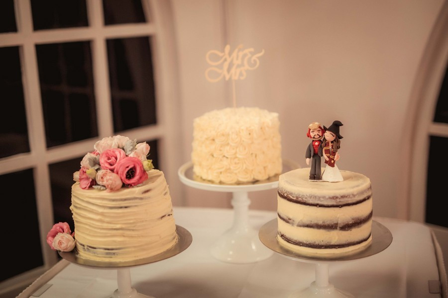 Price On Wedding Cakes  What s the average cost of a wedding cake