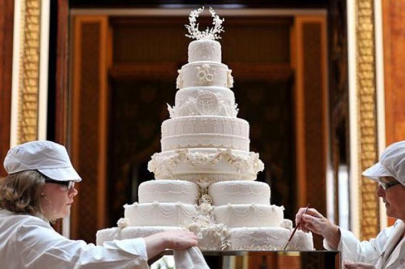 Prince William Wedding Cakes  13 Most Extravagant & Beautiful Celebrity Wedding Cakes