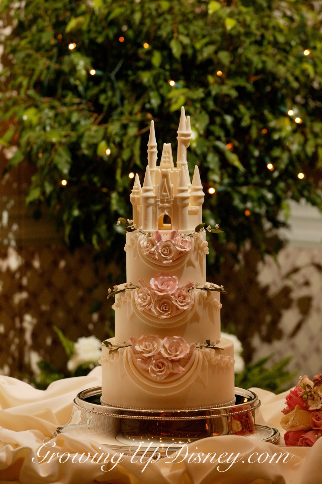 Princess Wedding Cakes  Growing Up Disney Disney s Fairy Tale Weddings s