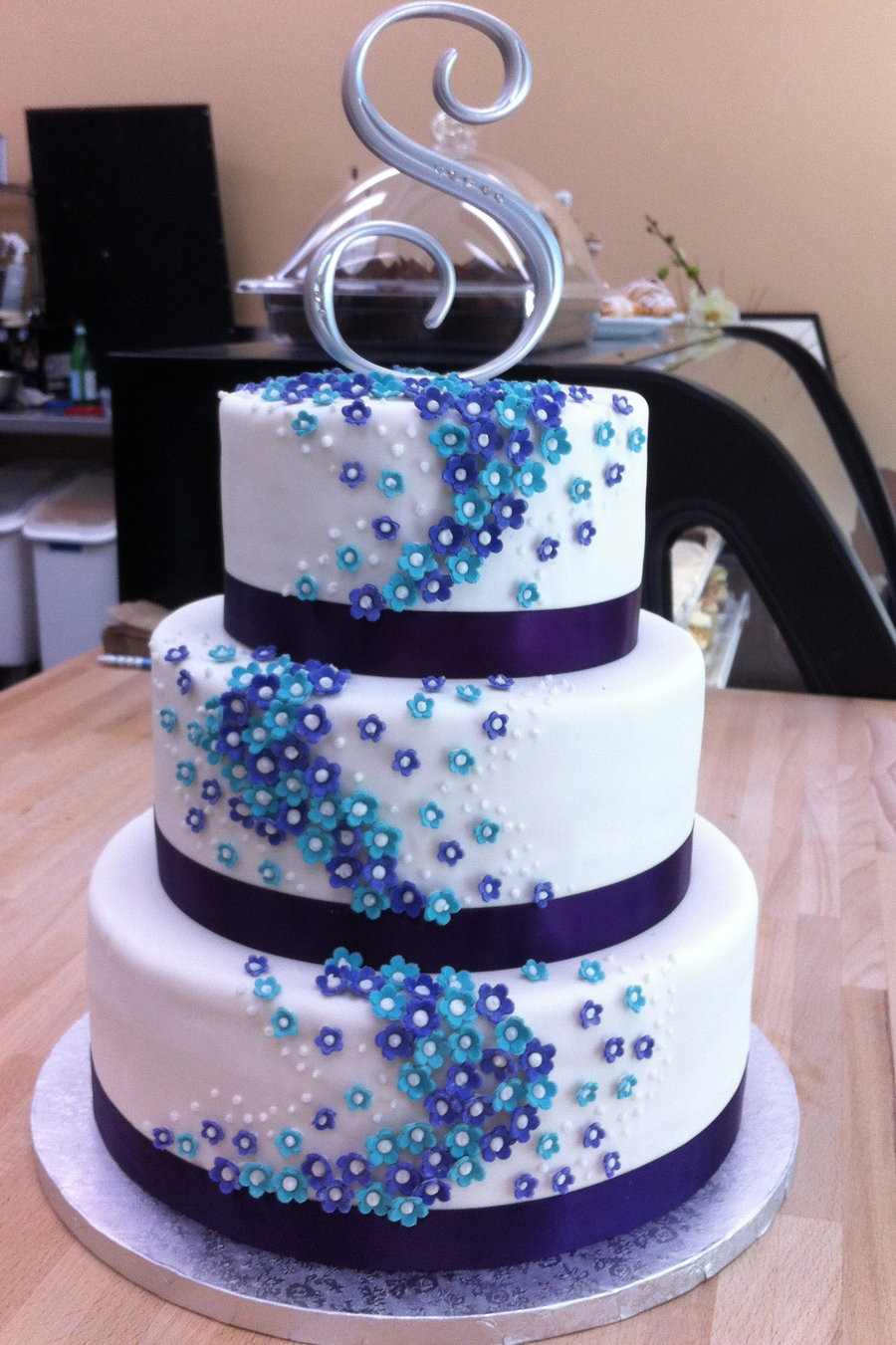 Purple And Blue Wedding Cakes  England prefers Blue to Black for Formal Occassions