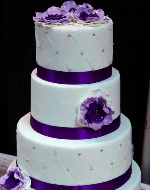 Purple And White Wedding Cake  41 Sweet Wedding Cake ideas