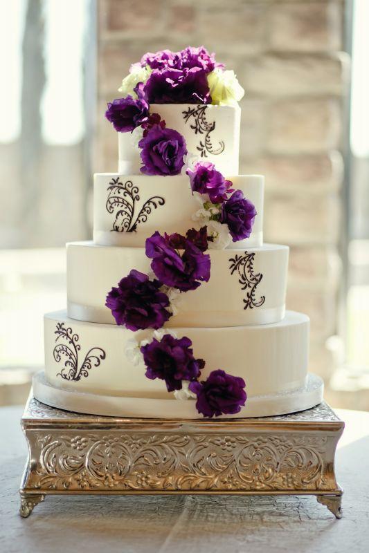 Purple And White Wedding Cake  purple and white flower wedding cake