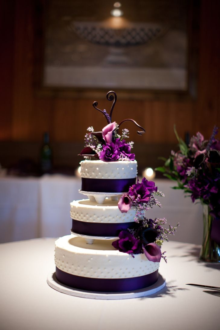 Purple And White Wedding Cakes  Black and White Wedding Cake with Purple Calla Lilies