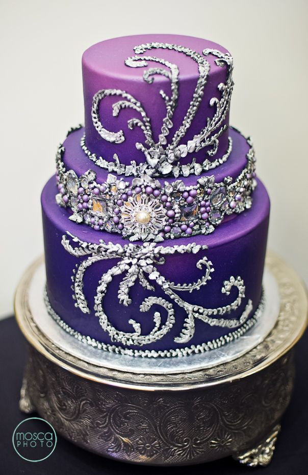 Purple Wedding Cakes Ideas  Purple Wedding Ideas with Pretty Details MODwedding