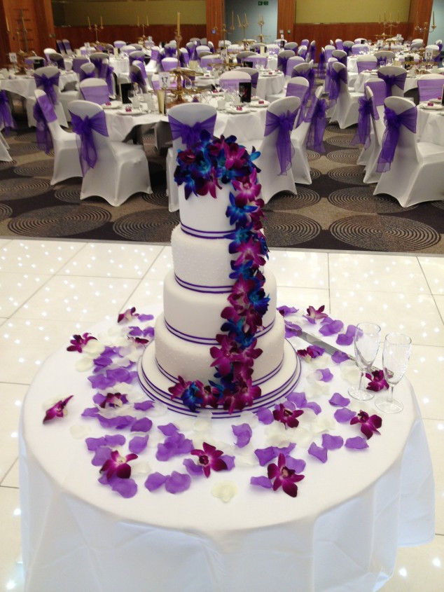 Purple Wedding Cakes Pictures  15 Purple Wedding Cakes Ideas