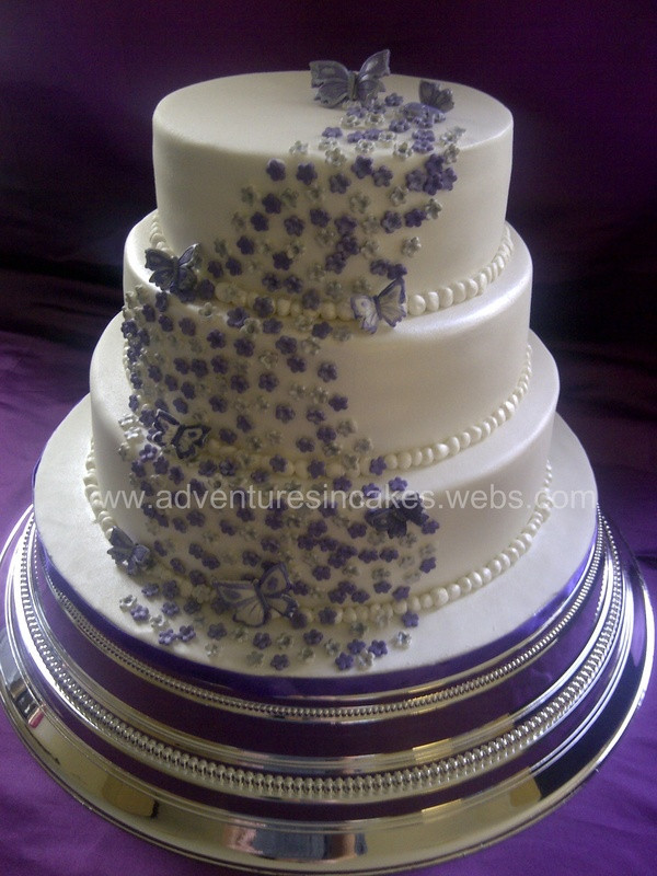 Purple Wedding Cakes With Prices  Silver and purple wedding cakes idea in 2017