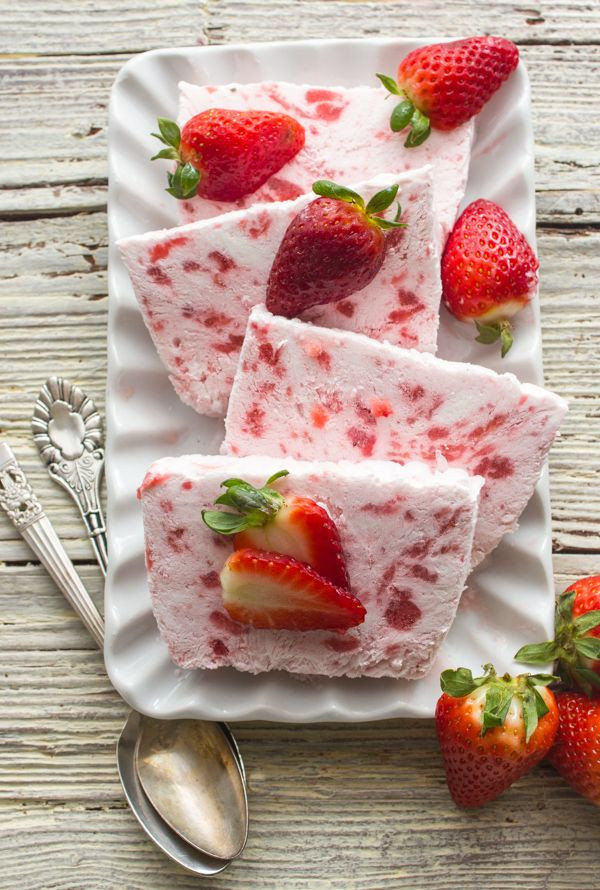 Quick And Easy Summer Desserts  A fast and easy no bake dessert Creamy Strawberry