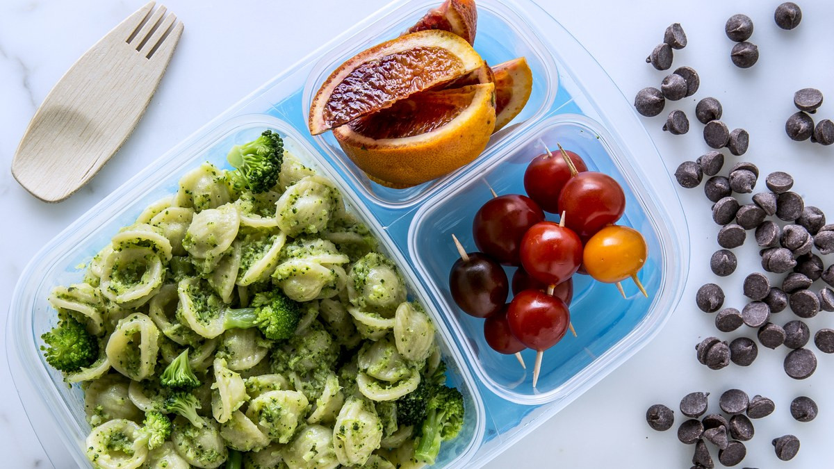 Quick Healthy Snacks For Work  41 Quick & Easy School Lunch Ideas to Pack for Your Kids