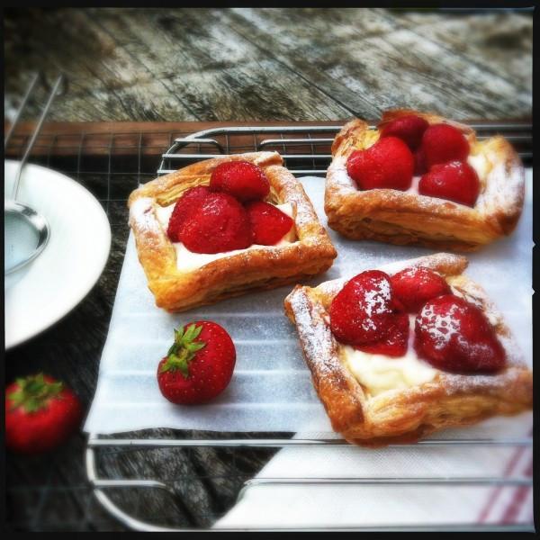Quick Summer Desserts  Quick summer strawberry dessert