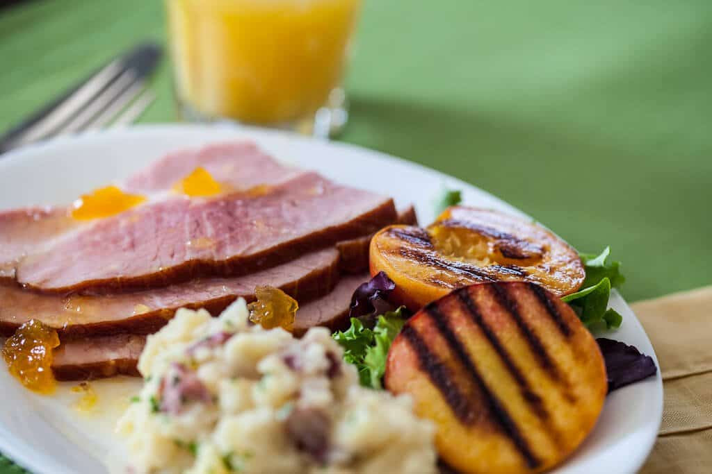 Recipes For Easter Ham  Easter Ham Recipe with Grilled Peaches