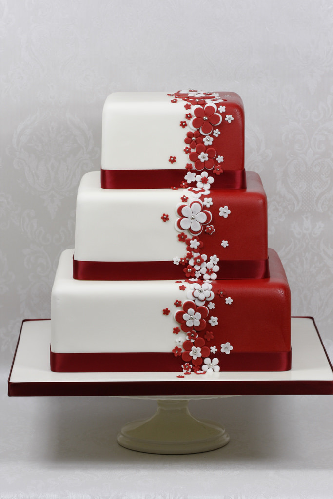Red And White Wedding Cake  Red & White Flower Wedding Cake