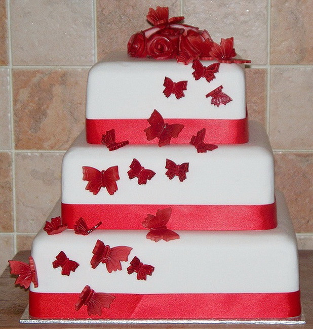 Red And White Wedding Cake  Red & White Wedding Cakes