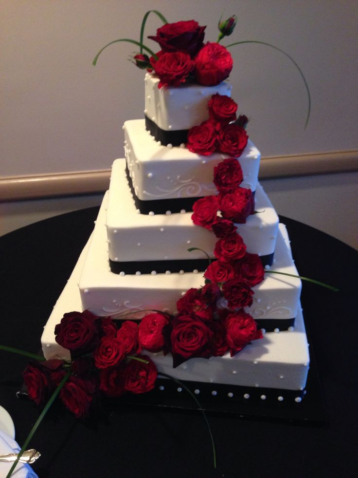 Red And White Wedding Cake  Red And White Wedding Ideas