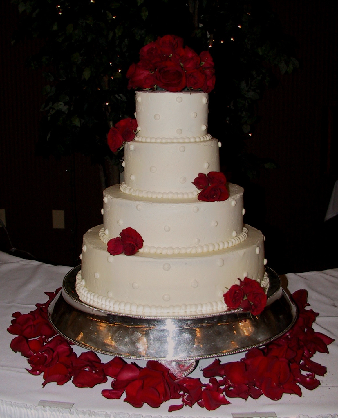 Red And White Wedding Cakes With Roses  White Wedding Cake with Fresh Red Roses Frankfort KY
