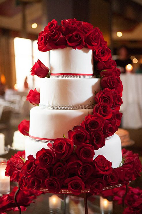 Red And White Wedding Cakes With Roses  40 wedding cakes with roses you just can t resist