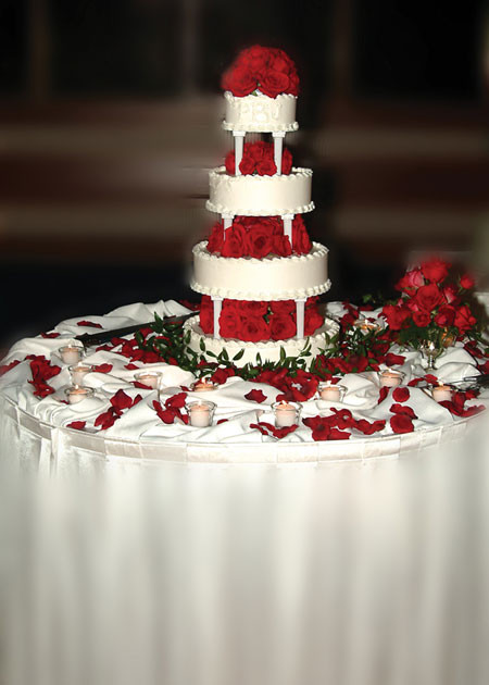 Red Rose Wedding Cakes  white wedding cakes with red roses