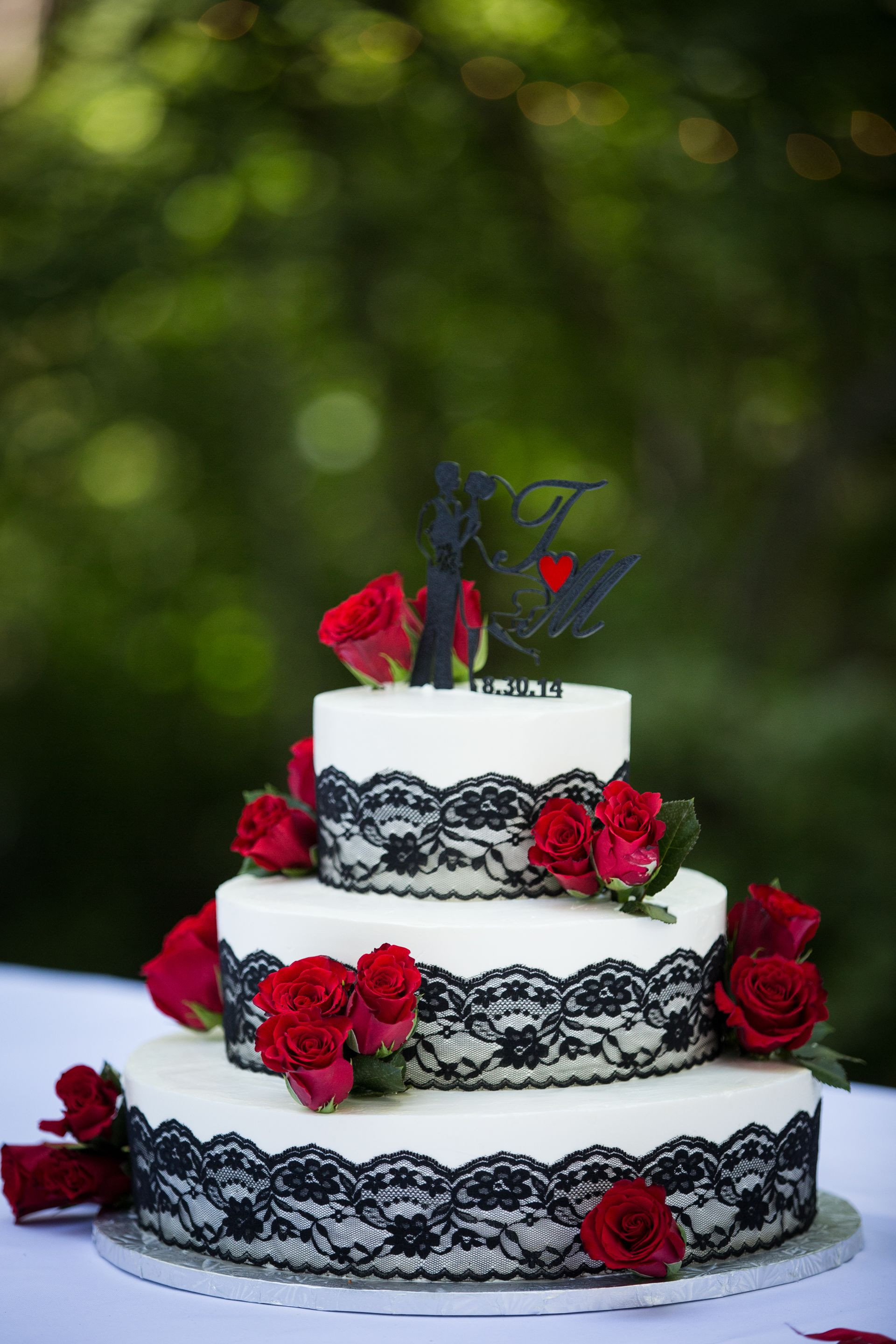Red Rose Wedding Cakes  Black Lace Red Rose Wedding Cake