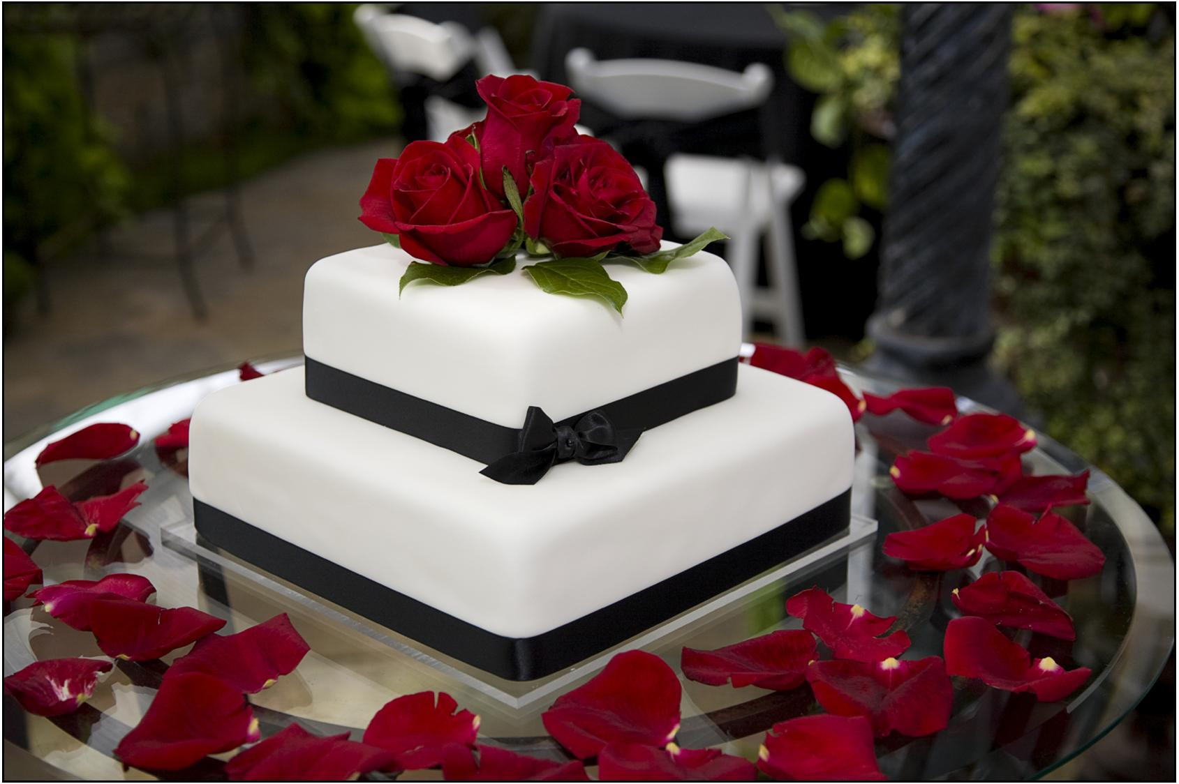 Red Rose Wedding Cakes  Wedding Accessories Ideas