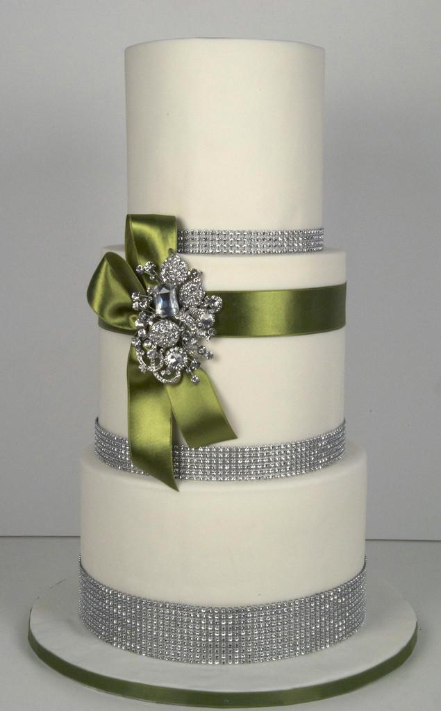 Rhinestone Wedding Cakes  White Bling Wedding Cake Ideas and Designs