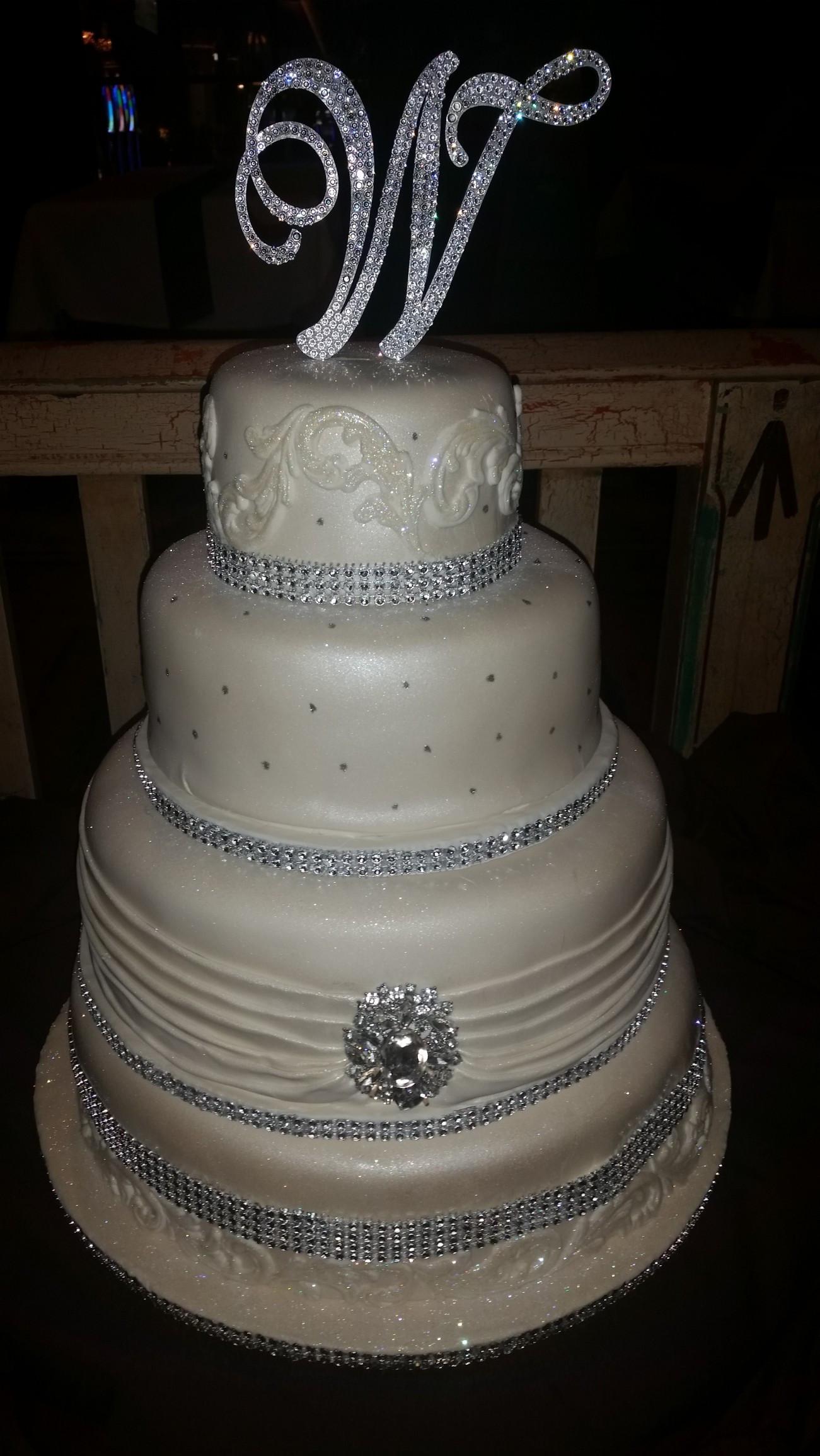 Rhinestone Wedding Cakes  Bling Wedding Cakes