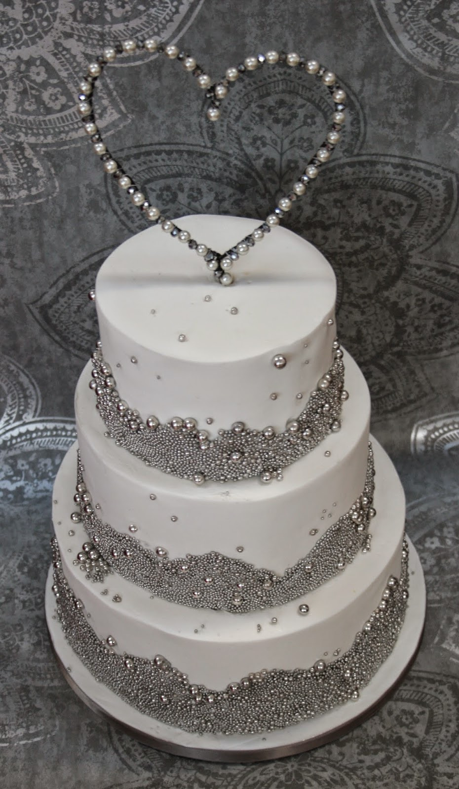 Rhinestone Wedding Cakes  The Perfectionist Confectionist Grainne and Brendan