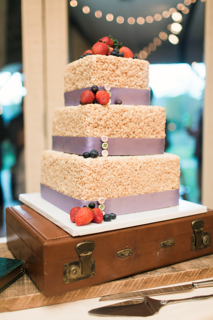 Rice Krispie Wedding Cakes  diy Wedding Ideas Rice Krispie Treat Wedding Cake