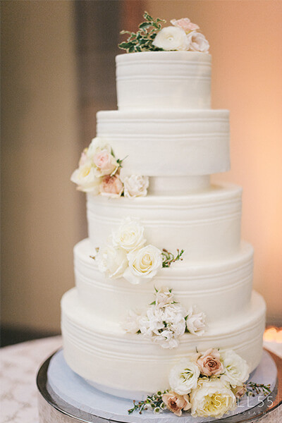 Richmond Wedding Cakes  Incredible Edibles Bakery Wedding Cakes and Sweets for