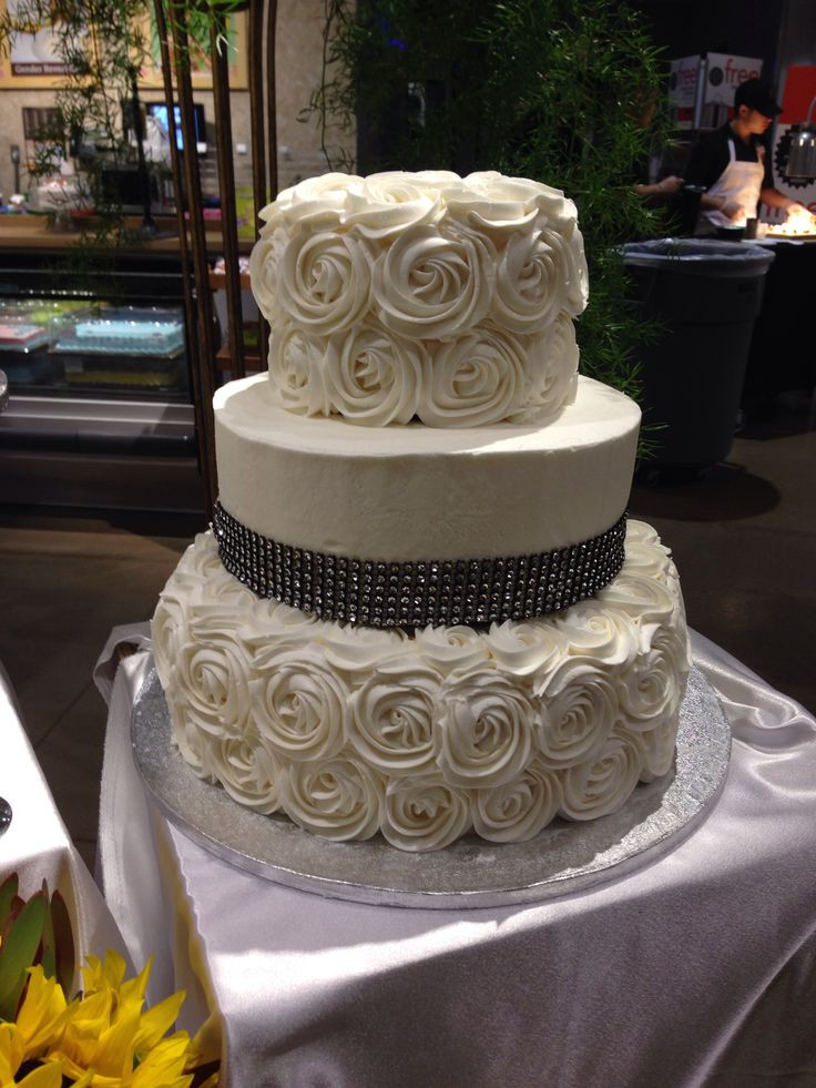 Rosette Wedding Cakes  Wedding cake with rosettes Cakes Pinterest