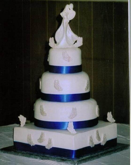 Royal Blue And Silver Wedding Cakes  Ronenia s blog The three tiers of this buttercream