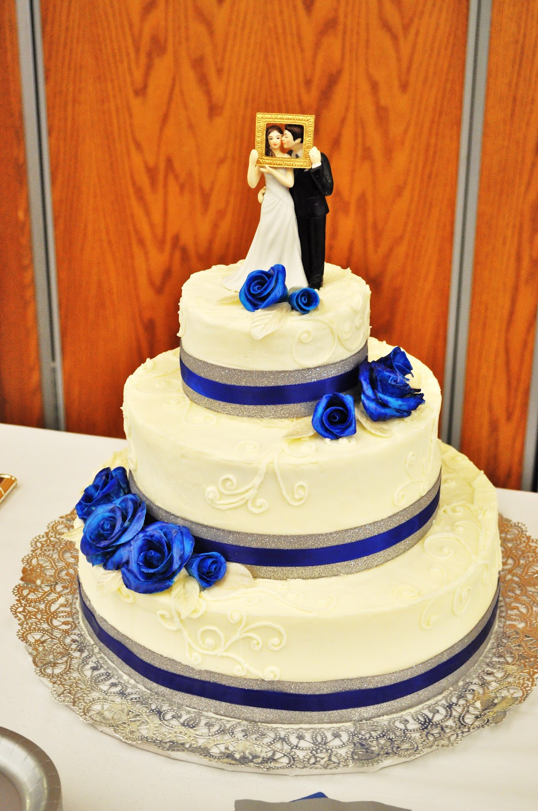 Royal Blue Silver And White Wedding Cakes  CakeJoy Royal Blue and Silver Wedding