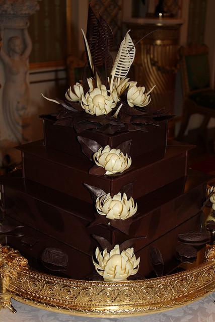 Royal Wedding Cake Recipe  Royals choose chocolate wedding cake