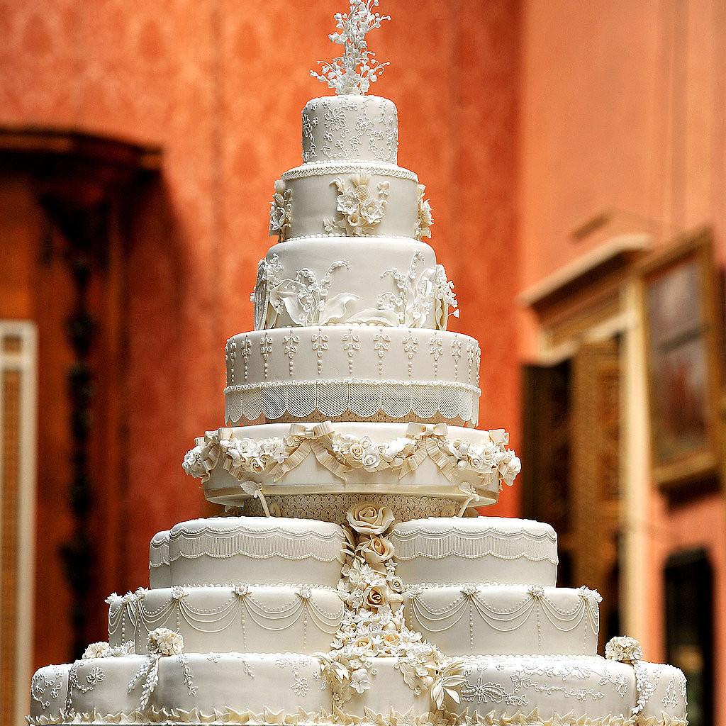 Royal Wedding Cake Recipe  Royal Wedding Cake 2011 04 29 10 40 04