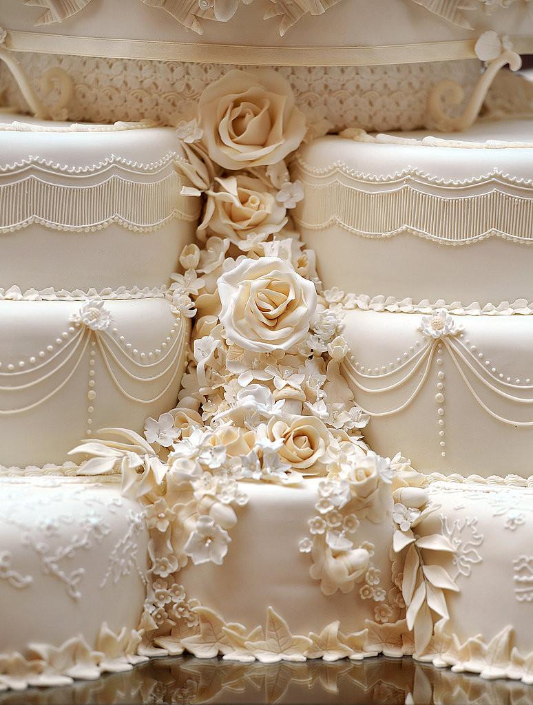 Royal Wedding Cakes  of Kate Middleton and Prince William s Royal