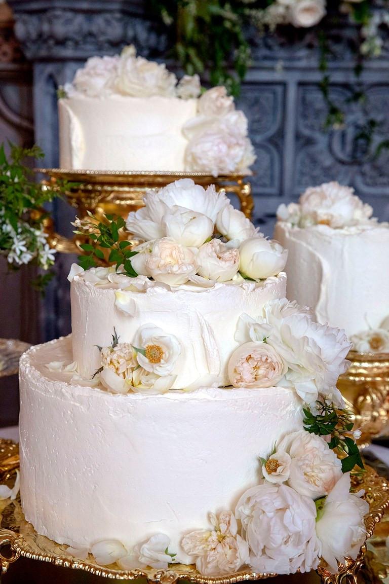 Royal Wedding Cakes  The Royal Wedding Reception Menu Revealed