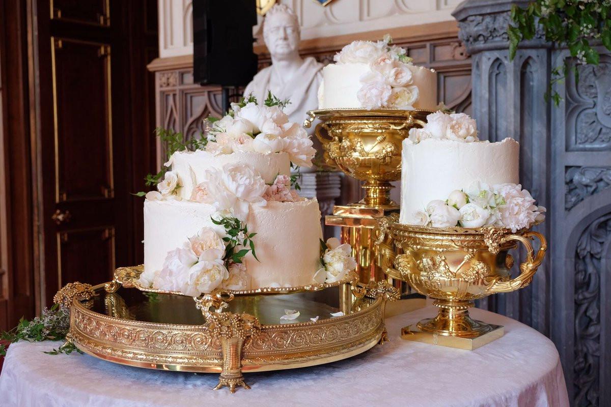 Royal Wedding Cakes  Royal Wedding Cakes Through the Ages Prince William Kate