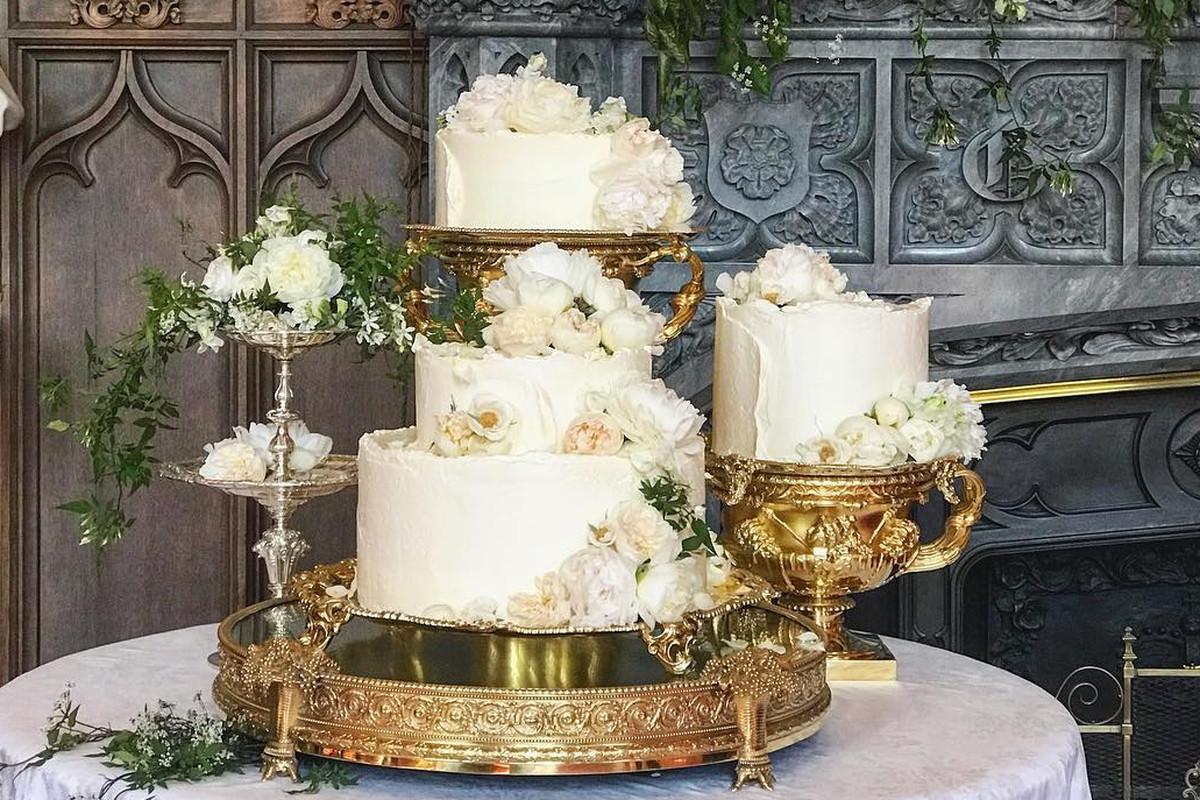 Royal Wedding Cakes  The Royal Wedding Cake Looked Stunning on Instagram