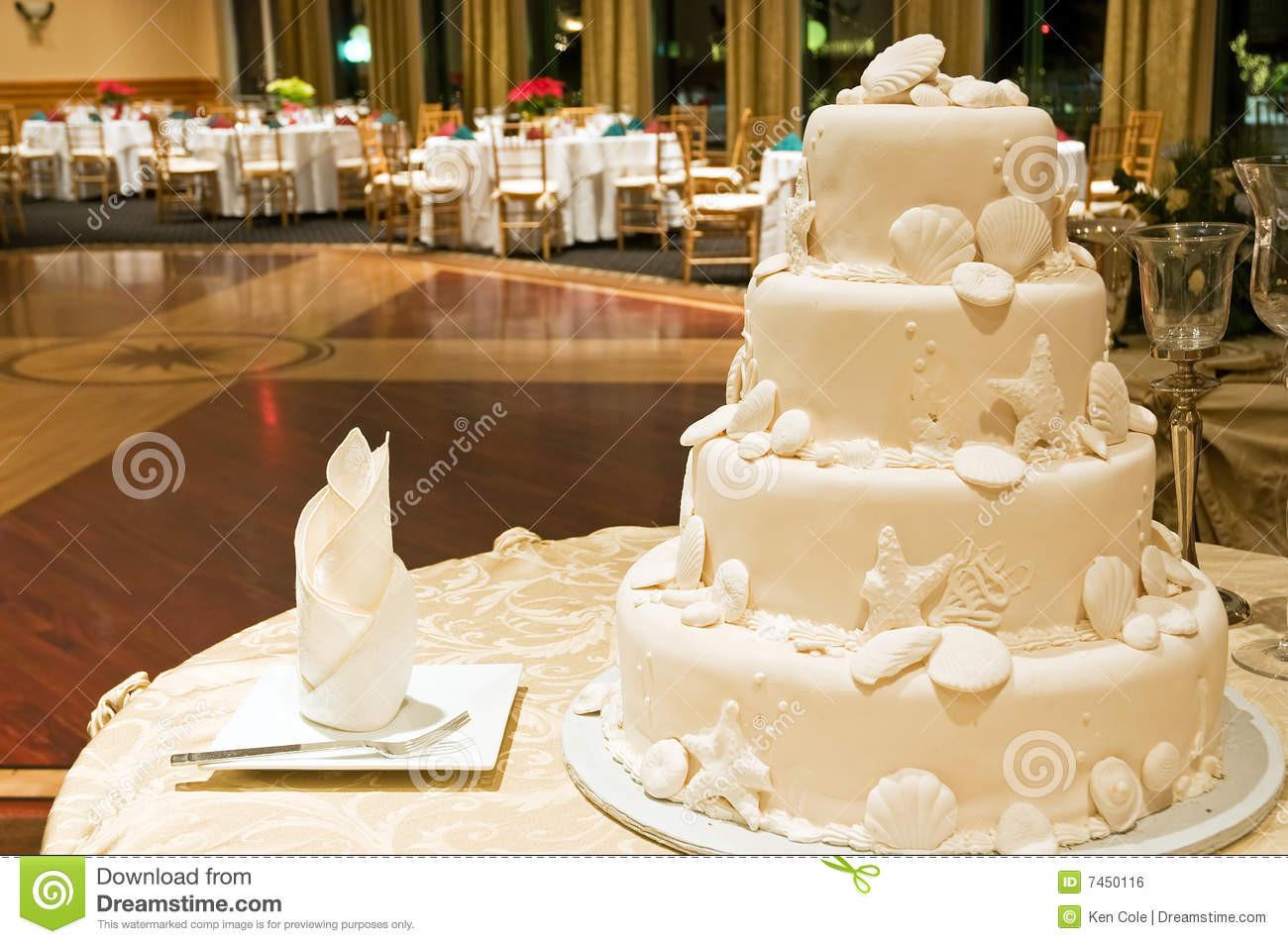 Royalty Wedding Cakes  White Wedding Cake Royalty Free Stock Image Image