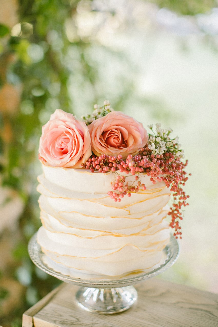 Ruffled Wedding Cakes  20 Single Tier Wedding Cakes with Wow Chic Vintage
