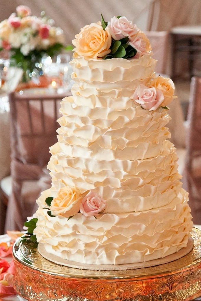 Ruffled Wedding Cakes  Bride In Dream Ruffled Wedding Cakes Designs