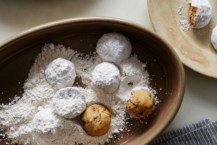 Russian Tea Cakes Vs Mexican Wedding Cookies  Mexican Wedding Cakes Russian Tea Cakes Holiday