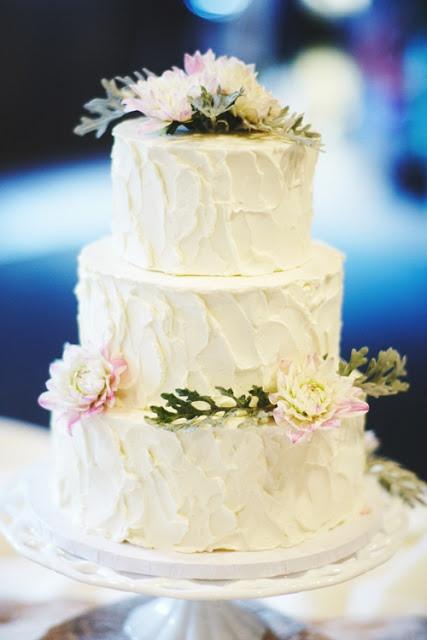 Rustic Buttercream Wedding Cakes  Rustic Buttercream Wedding Cake love the size this cake