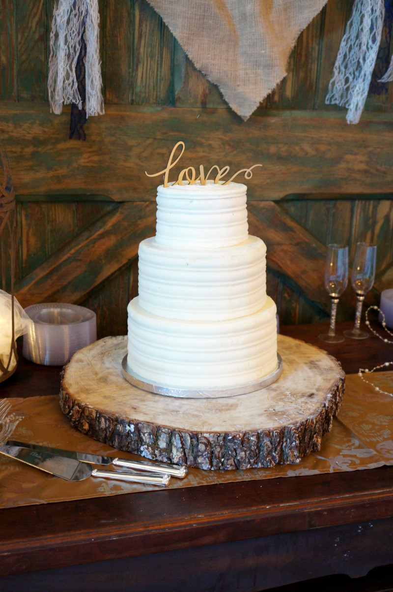 Rustic Country Wedding Cakes  simple rustic wedding cake