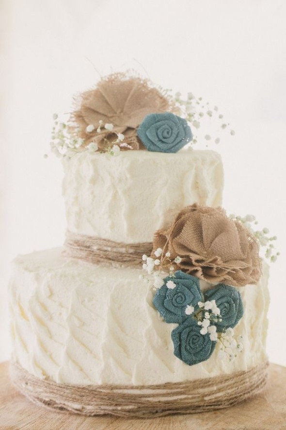 Rustic Country Wedding Cakes  10 Amazing Burlap Wedding Cakes Rustic Wedding Chic