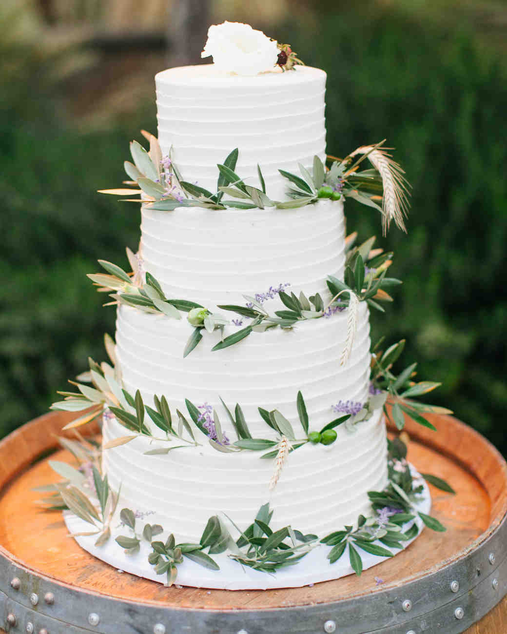 Rustic Country Wedding Cakes  30 Rustic Wedding Cakes We re Loving