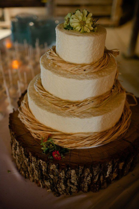 Rustic Style Wedding Cakes  Country Wedding Cake Ideas Rustic Wedding Chic